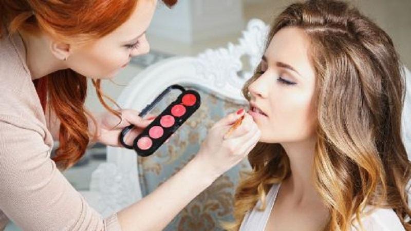 5 Genius Makeup Tricks You Need to Know 2