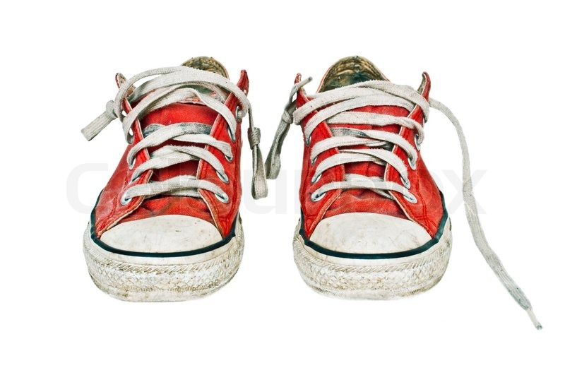 How to clean used shoes properly to give them a brand new look